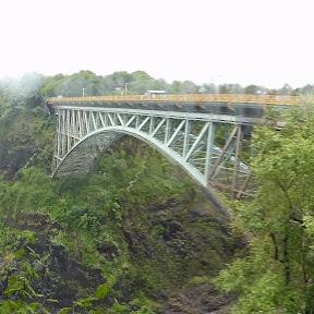 Brug over de Zambezi rivier, de grens tussen Zambia en Zimbabwe. En bungee jump locatie