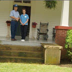 Owen & Linda Gleaves, from Mt. Juliet, Tennessee stand on the porch of William Gleaves , his 5th great grandfather .