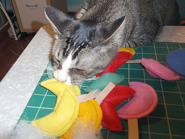fortune cookie cat toys