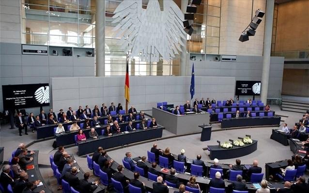 Γερμανία: Περικοπή 70,58  ευρώ στους μισθούς των βουλευτών λόγω της πανδημίας