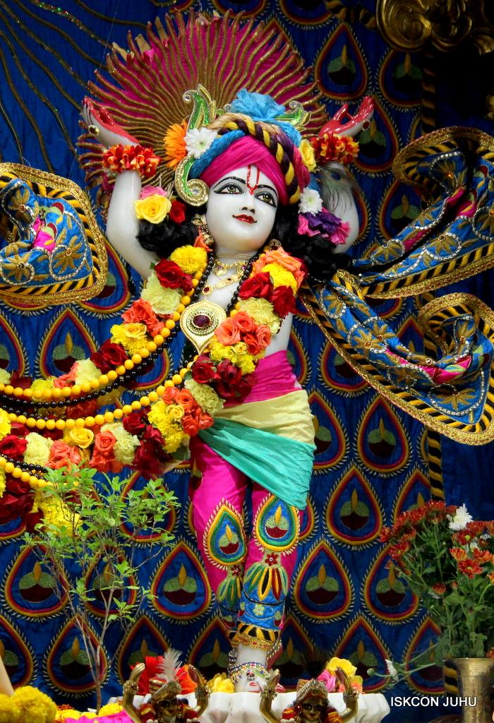 ISKCON Juhu Sringar Deity Darshan on 2nd Oct 2016 (48)