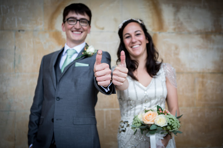 wedding-couple-thumbs-up