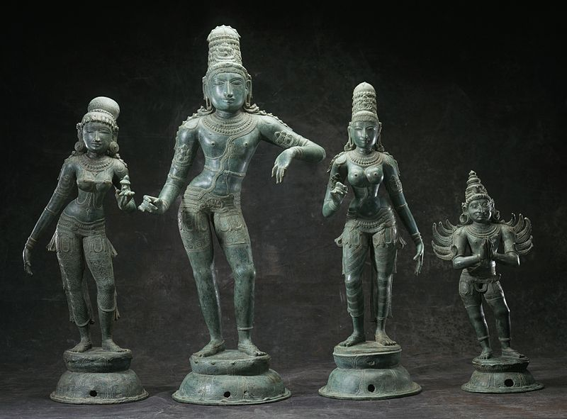 ருக்மணி, கிருஷ்ணா, சத்யபாமா மற்றும் அவர் வாகனம் கருடா.