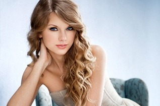 1235529-taylor-swift-woman-of-the-year-617-409