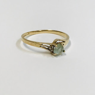 10K Gold and Clear Stone Magic Ring