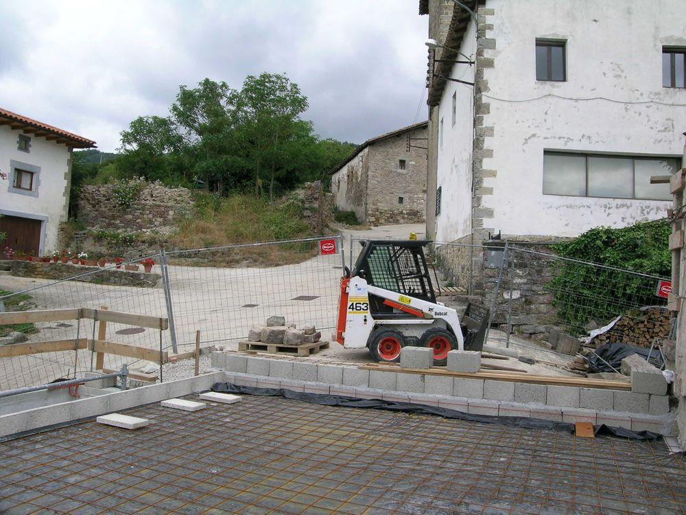 Reconstruccion Torre de Uriz - DSCN9899.jpg