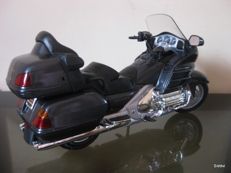 Auto diecast scale models HONDA GOLDWING | Auto Diecast Models