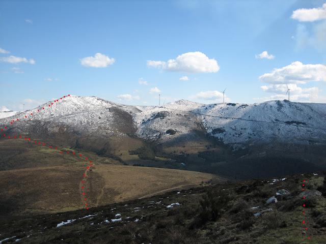 Rutas Montaña Asturias: Vista de la subida al Carondio