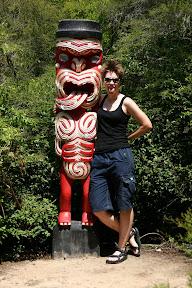 Lana and a Maori sculpture, Te Puia