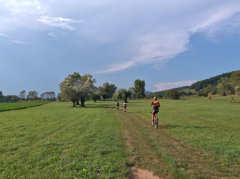Poieni neasteptat de frumoase pe drumul spre Livadia si cu siguranta locuri in care n-am fi ajuns in veci vecilor in afara concursului.
