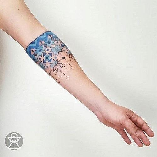 esta_brilhante_swonflake_tatuagem_para_mulheres