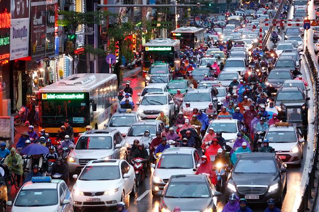 Kẹt xe tại Hà Nội đang là vấn đề nan giải