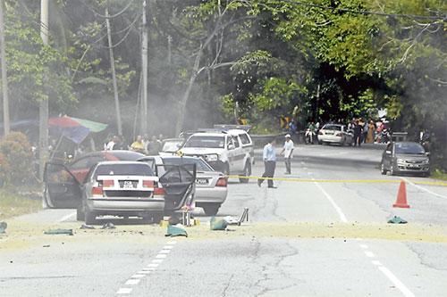 Lontar Bom Tangan Ke Arah Polis