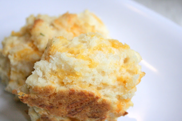 Sweet and Savory By Sarah: Garlic Cheese and Herb Biscuits