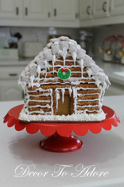 Gingerbread Log Cabin 074