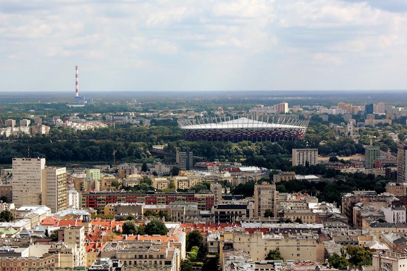 Vistas del estadio desde la terraza en el piso 30 del El Palacio de la Cultura y la Ciencia de Varsovia