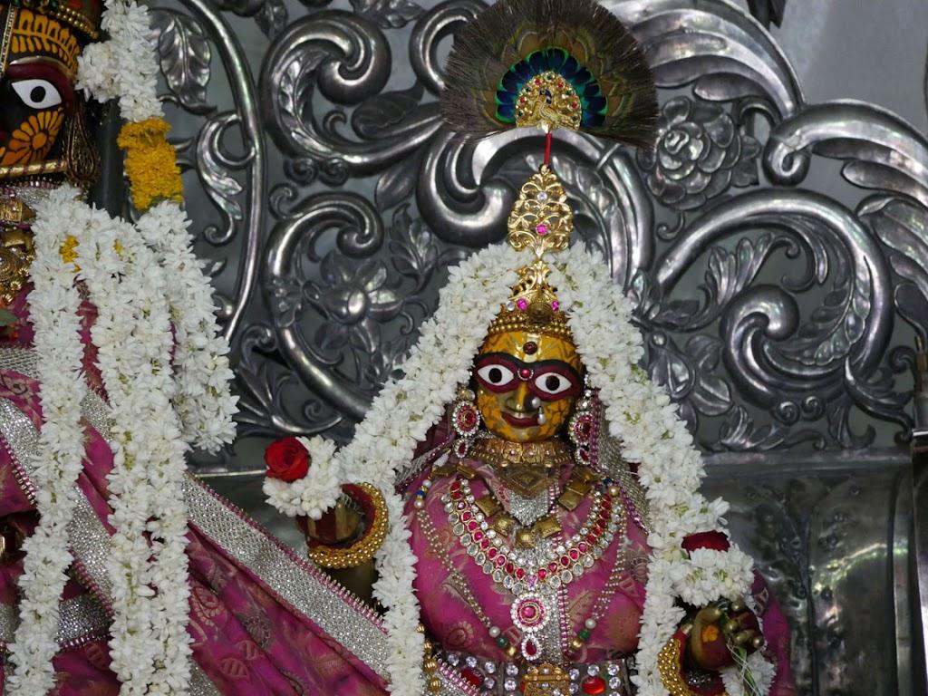 Radha Govind Devji Deity Darshan 14 June  2016 (4)