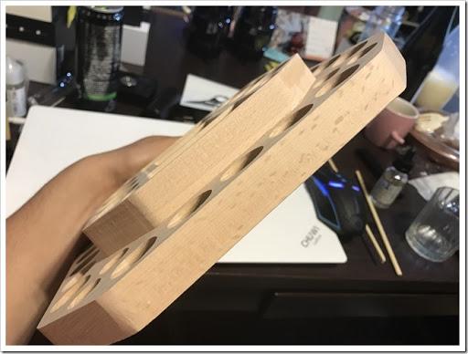 IMG 5320 thumb - 【VAPEの整理に】Vpdam Wooden Base A簡易レビュー?アトマイザーとMOD、ドリップチップも置けるVAPER専用スタンド!見た目の洒落た感じも相まって、あと5枚は欲しい!【これ1枚♪】