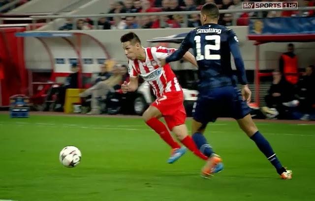 Alejandro Dominguez, Olympiakos - Manchester United