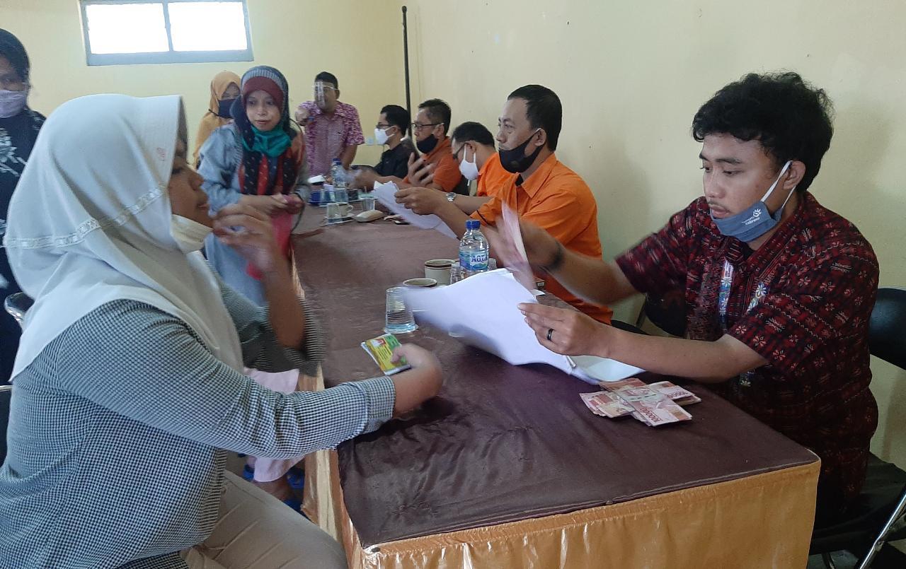 BST Kemensos Tahap 8 Selesai Dibagikan Kepada 1.070 Warga Desa Gadog