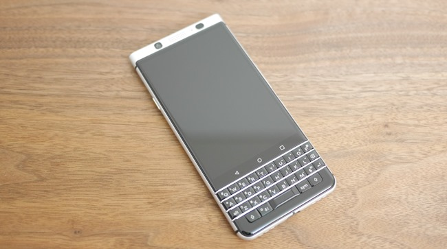BlackBerry-KEYone-4