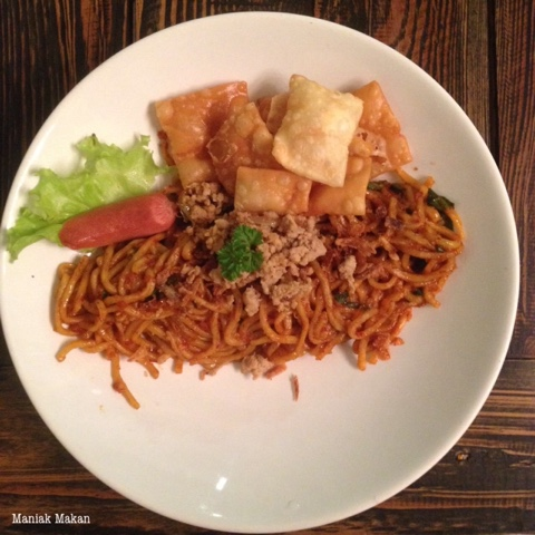 maniak-makan-kulineran-solo-killing-mie-badran-kotabarat-mie-oyeng-level5-pedas