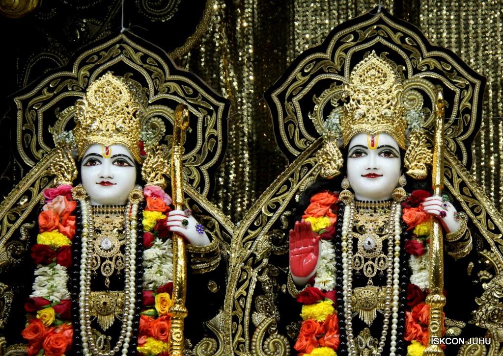 ISKCON Juhu Sringar Deity Darshan 7 Jan 2017  (24)