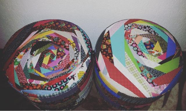 Bolo de pano capas de puff em patchwork - Como hacer un puff pera ...