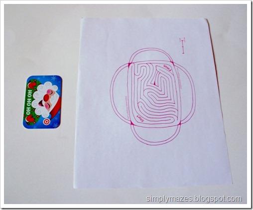 Free printable maze gift carder holder.