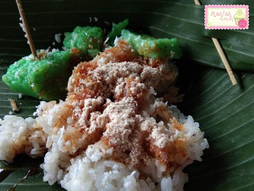 maniak-makan-jajanan-tradisional-solo-cetot