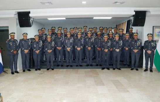 """Director de la Policía se reúne con los generales para trazarles los """"lineamientos"""" de trabajo"""
