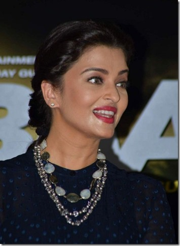 Easy Hairstyle For Salwar Suit : Top 25 best hairstyles sported by aishwarya rai you can try