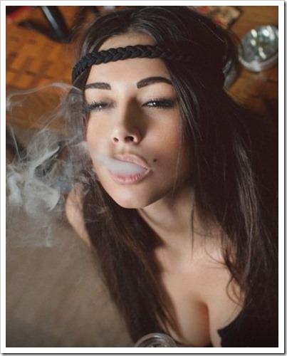 CdEP 3TVIAA68lC thumb%25255B2%25255D - 【キレイなVaperは】世界中のVaping Lady(ベープガール)の写真を集めてみたサタデーナイトフィーバー【嫌いですか?】