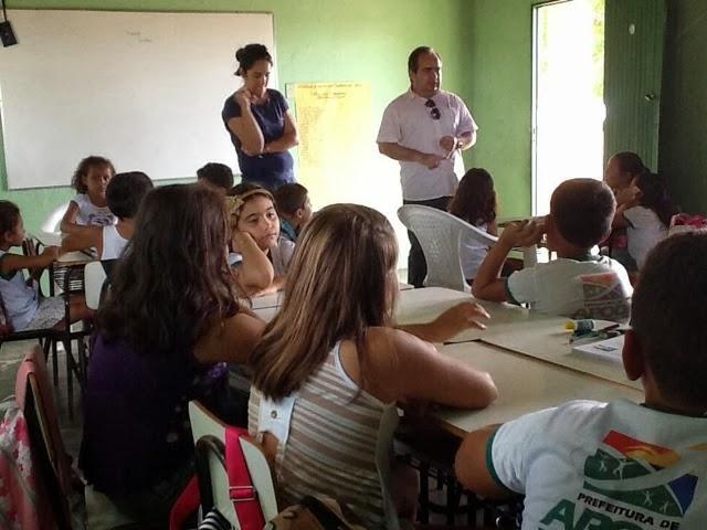 Apodi: Prefeitura informa que está extinguindo a triste vergonha do Pau-de-Arara transportando estudantes