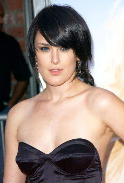 Rumer Willis hot black dress pose