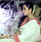 Karisma Kapoor at SRK Edi Party 2013. pic/ yogen shah