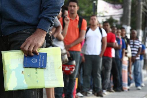 Desemprego dos jovens no Brasil bate recorde e atinge quase 30% • Jornal de Leste a Oeste