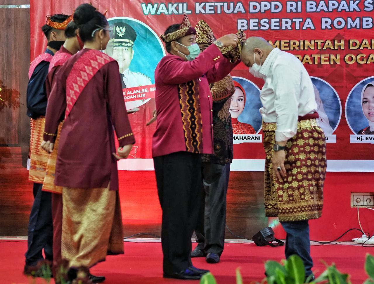 Ketua DPD RI LaNyalla Mattalitti dapat Gelar Tetue Bebuyutan Rambang Kuang