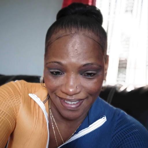 user Stacey West apkdeer profile image