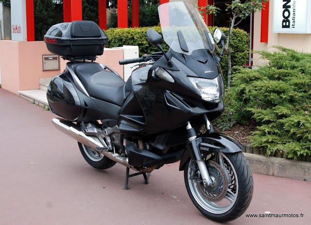 occasion honda deauville abs 700 noire 2006 48850kms. Black Bedroom Furniture Sets. Home Design Ideas