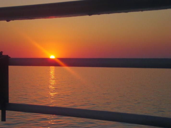 A imagem foi feita por Max Fainberg, do navio Sonho de Princesa, enquanto cruza no mar Mediterrâneo.2304 × 1728 pixels