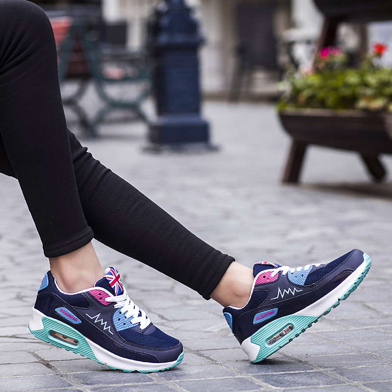 COMFORTABLE RUNNING SHOES STYLES FOR SPORTIVE WOMEN 7