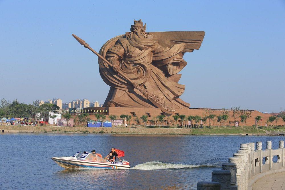 guan-yu-statue-3