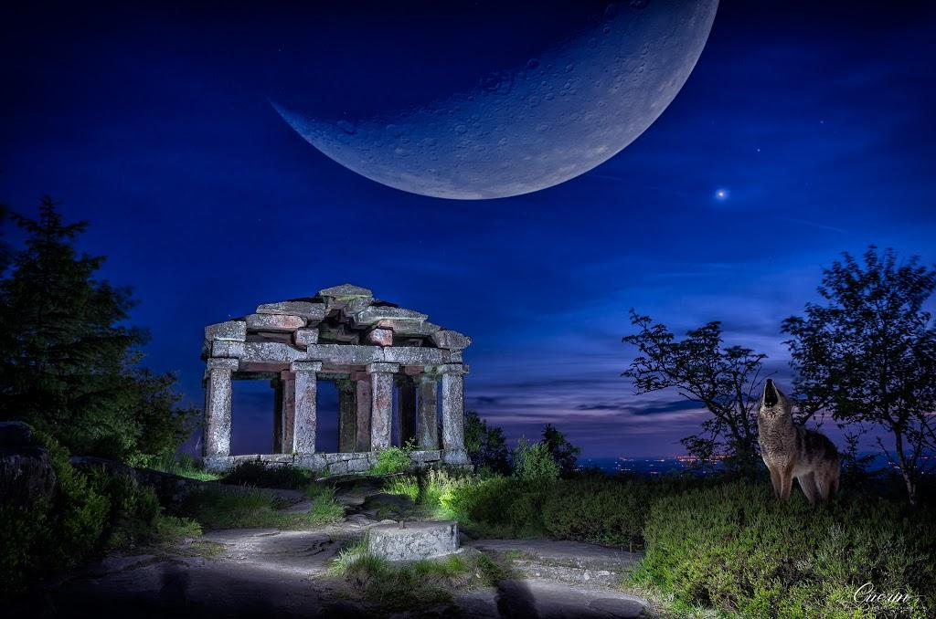 Lightpainting au temple du Donon. SEBY6113-836-839