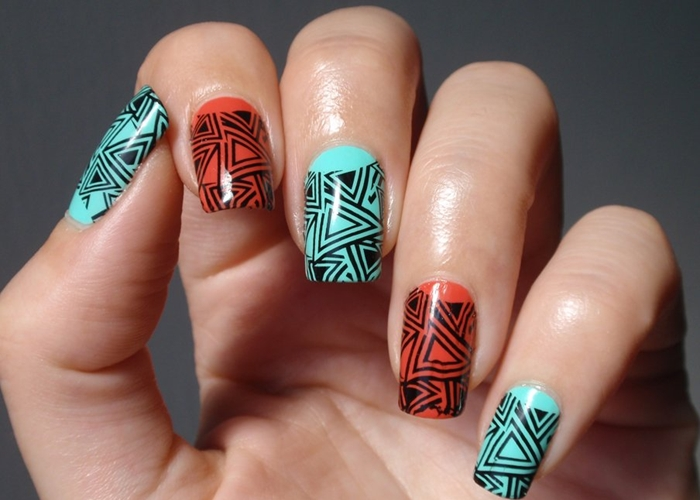 Single Line Nail Art : Black and turquoise nail design fashionte