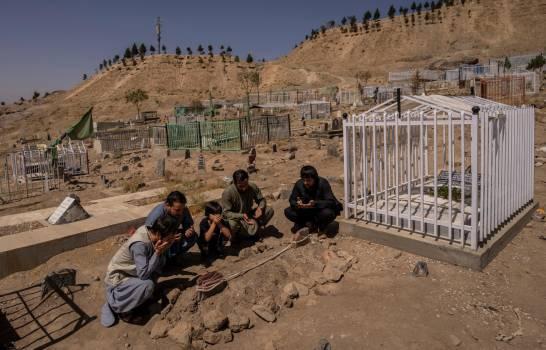 Sobrevivientes en Afganistán: pedir perdón no basta