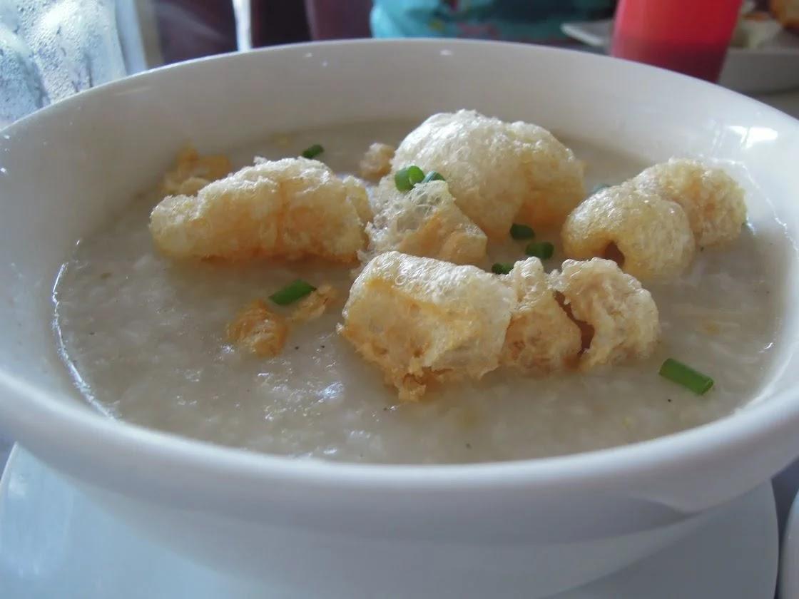 A bowl of Arroz Caldo