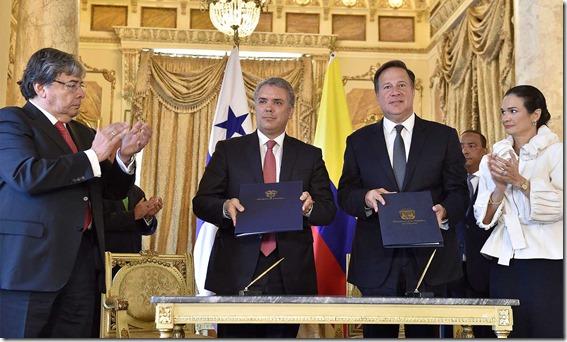Los Presidentes Duque y Varela tras la firma del Acuerdo de Entendimiento para fortalecer instrumentos en la lucha contra la trata de personas.