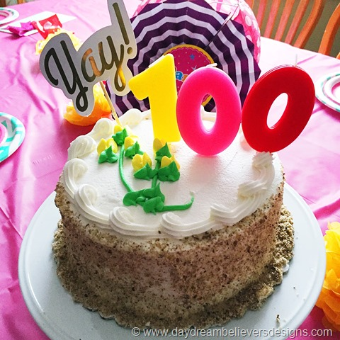 Family Fun_ Celebrate 100 Month Birthday with Daydream Believers Designs #howto #kidsparty