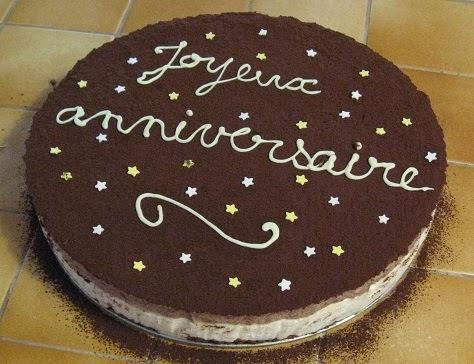 Gâteau d'anniversaire au chocolat et à la poire